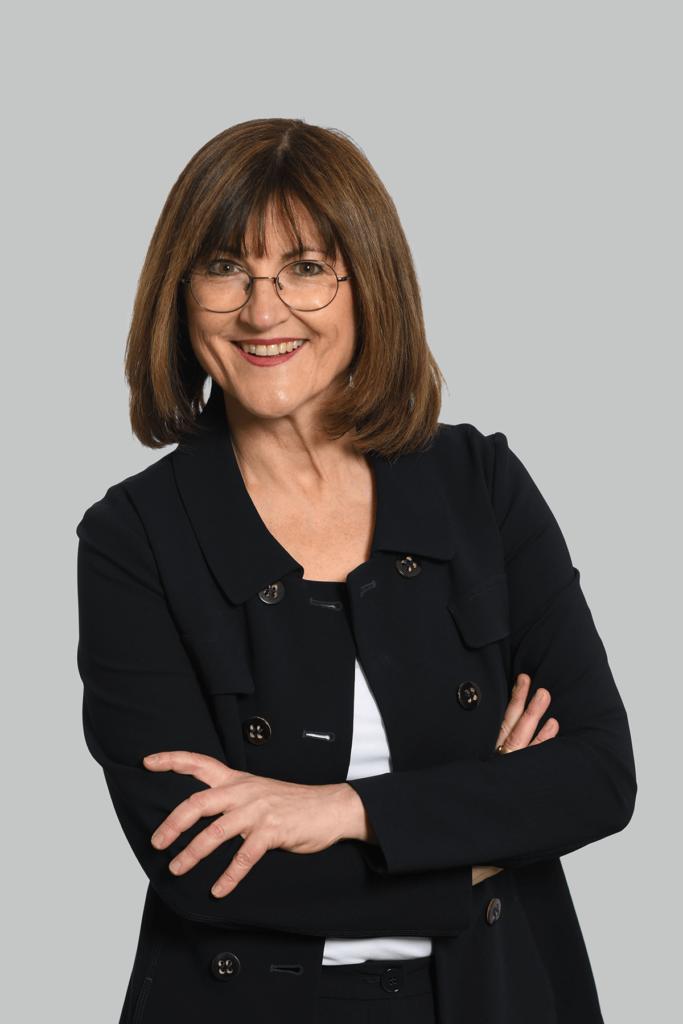Portrait der Fachanwältin für Familienrecht und Erbrecht Elisabeth Bauersmann.