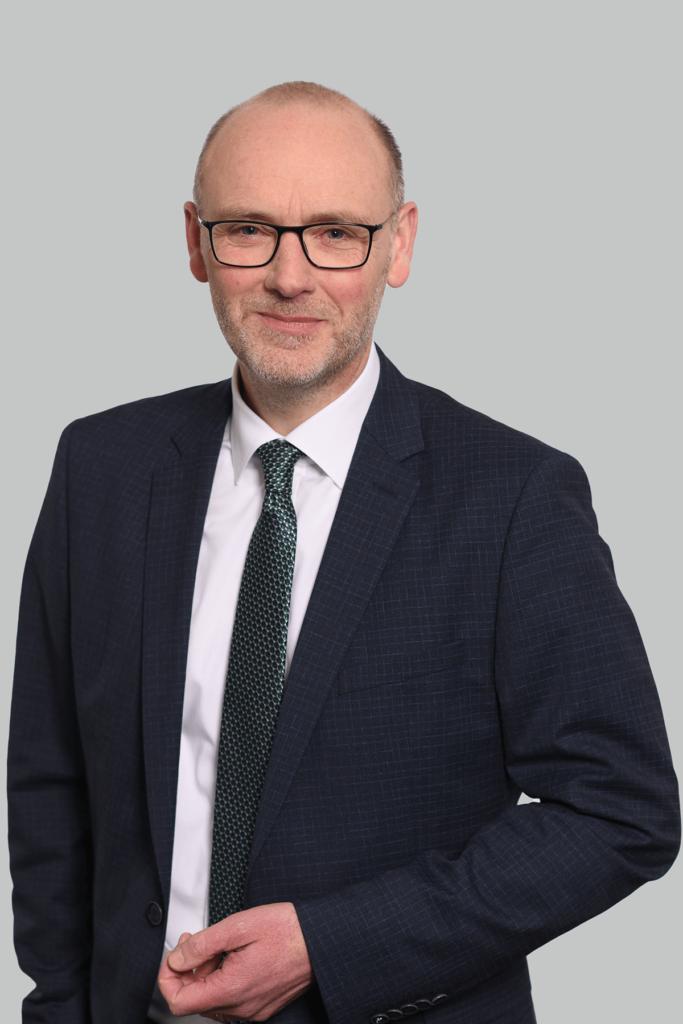 Portrait des Fachanwalts für Familienrecht und Erbrecht Guido Hagedorn.